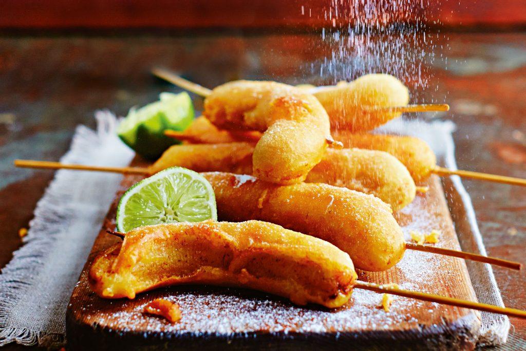 vietnamese fried banana is very famous dish in hong kong