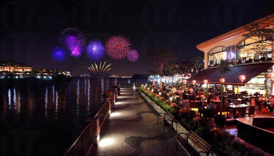best waterfront view restaurant in Lantau Island hong kong