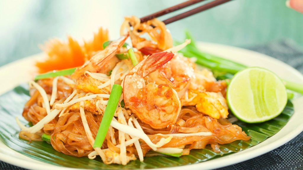 Pad Thai With Shrimps 泰式炒金邊粉