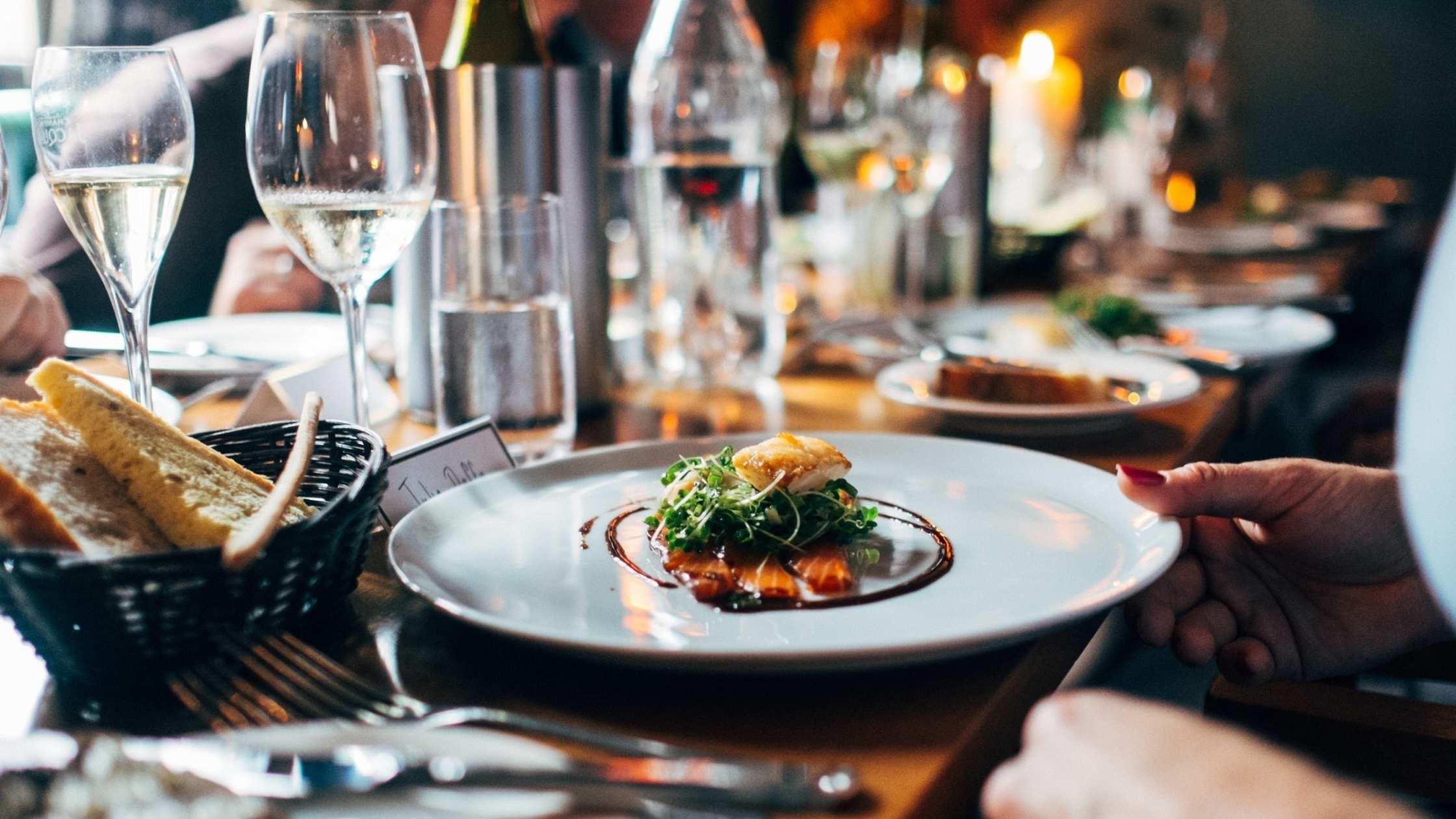 Best Restaurants Dining in Hong Kong
