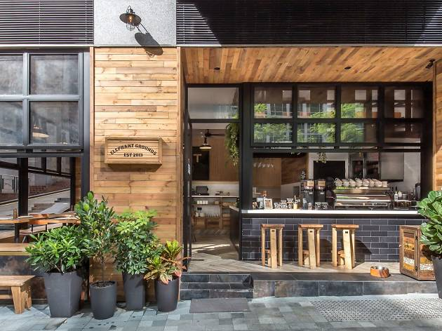 Elephant Grounds restaurant in hong kong